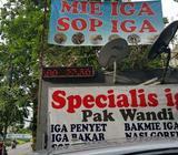 Lowongan karyawati buat waitres di resto iga pak wandi jakarta barat - Makassar Kota - Lowongan