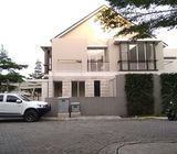Rumah Baru 2Lt., Siap Huni, Hoek dlm Cluster Eksklusif di Jagakarsa Jakarta Selatan