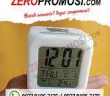 Souvenir unik & menarik Jam Dadu 7 Warna Plus Alarm Dan Termometer