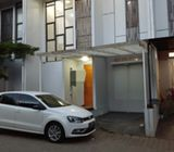 Rumah di Ciputat Timur, 2Lt, Furnish, Cluster Modern di Pondok Cabe Ilir, Pisangan
