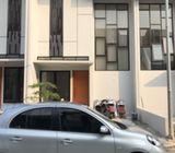 Rumah di Ciputat Timur. 2Lt dlm Cluster Modern di Legoso, Pisangan, Pondok Cabe Ilir