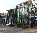 Rumah di Pondok Gede, Mewah 2Lt, Semi Furn, Rmh & Tmpt Usaha Catering, dlm Prmhn di Jatirahayu