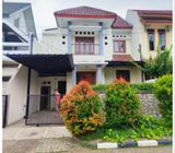 Rumah Disewakan Di Cinere, 2Lt, Siap Huni, Lingk. Asri di Villa Cinere Mas