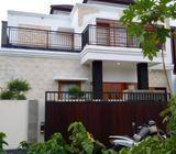 Rumah Baru Full Furnished Halaman Luas Dijual Di Tukad Badung Renon